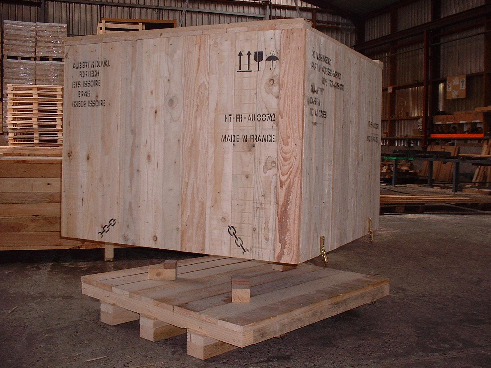 Caisse pleine pour matériel electrique ou vanne ou armoire (1)