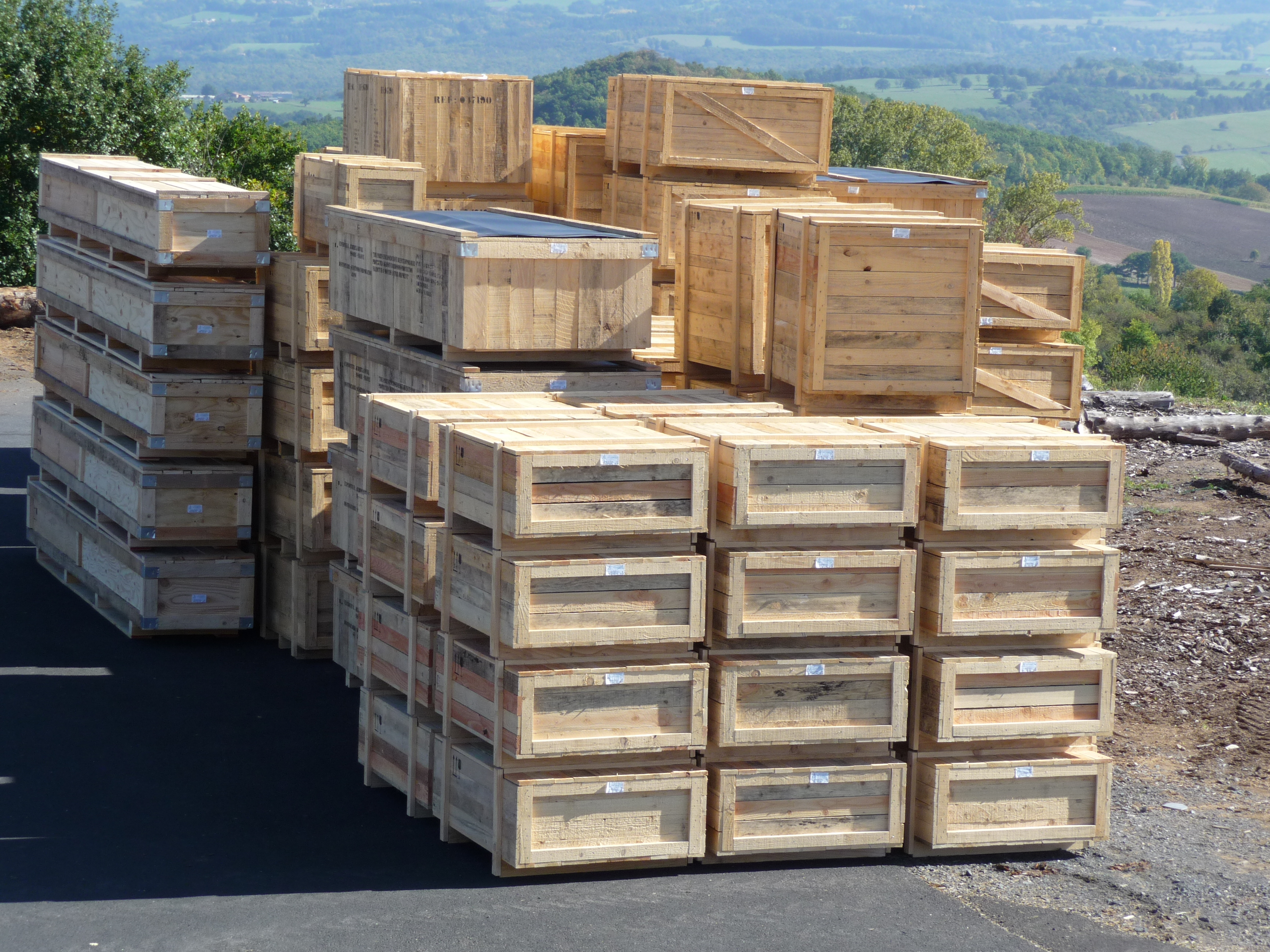Caisse pleine pour matériel electrique ou vanne ou armoire (3)